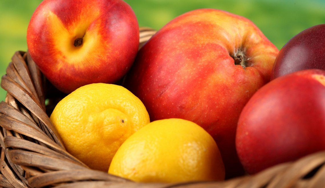 Fruit_Apples_Peaches_435041